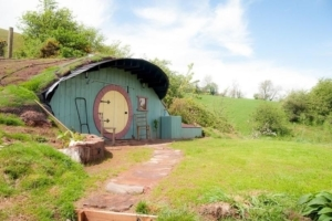 Inside the Welsh Hobbit House that could be yours for £385,000