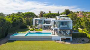 Five of the most viewed overseas homes this year