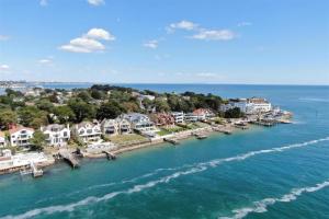 Take a peek inside these spectacular seaside homes
