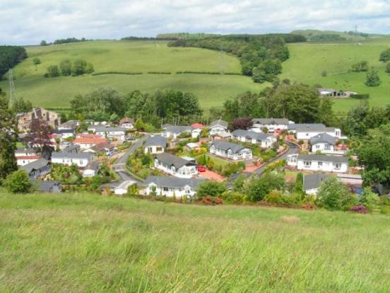 how to become a property valuer uk