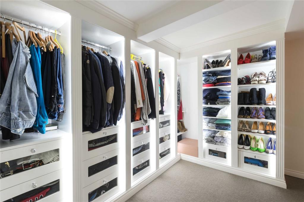 lfw walk in wardrobe