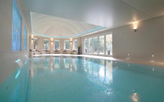 7 homes with wonderful swimming pools property news Houses for sale in london with swimming pool
