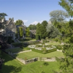 The property enjoys beautiful woodland surroundings